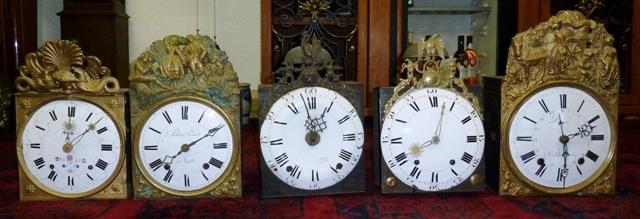Beispiele für Comtoise-Uhren
